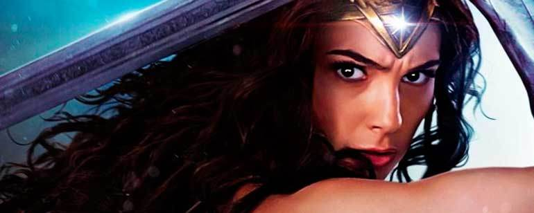 Fans pide que Wonder Woman sea confirmada como bisexual