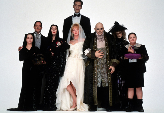 25 a os despu s as est n los locos adams im genes for Espectaculo familia addams