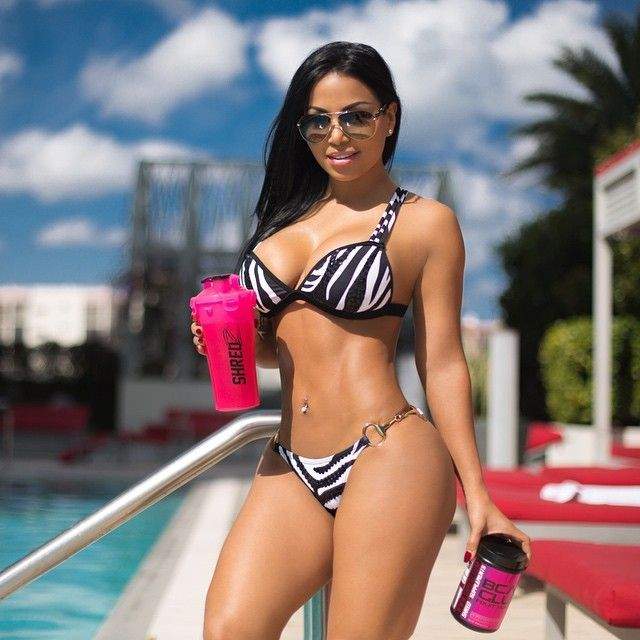 Dolly Castro (apto)