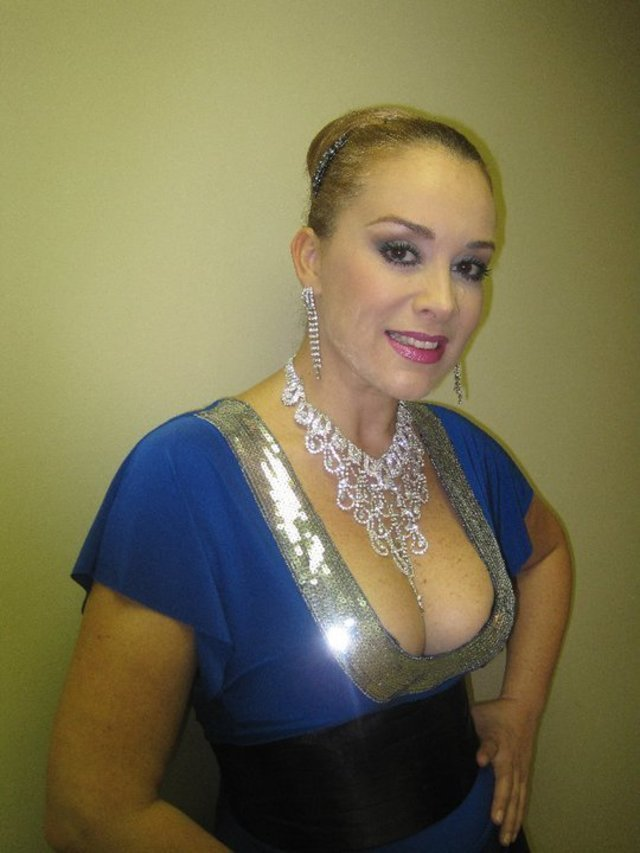 Lina Santos Nude Photos 12