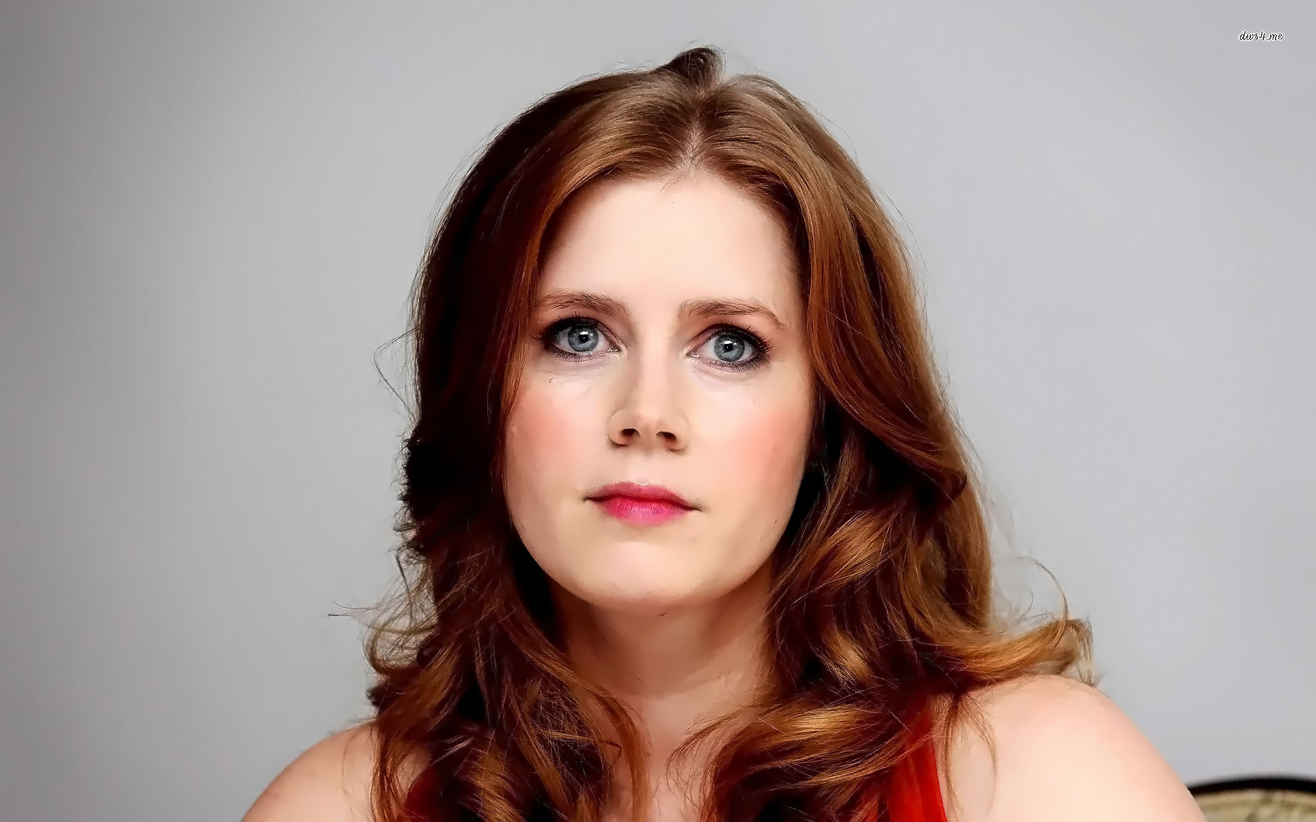 Amy Adams Is Not a Natural Red Head Backstage